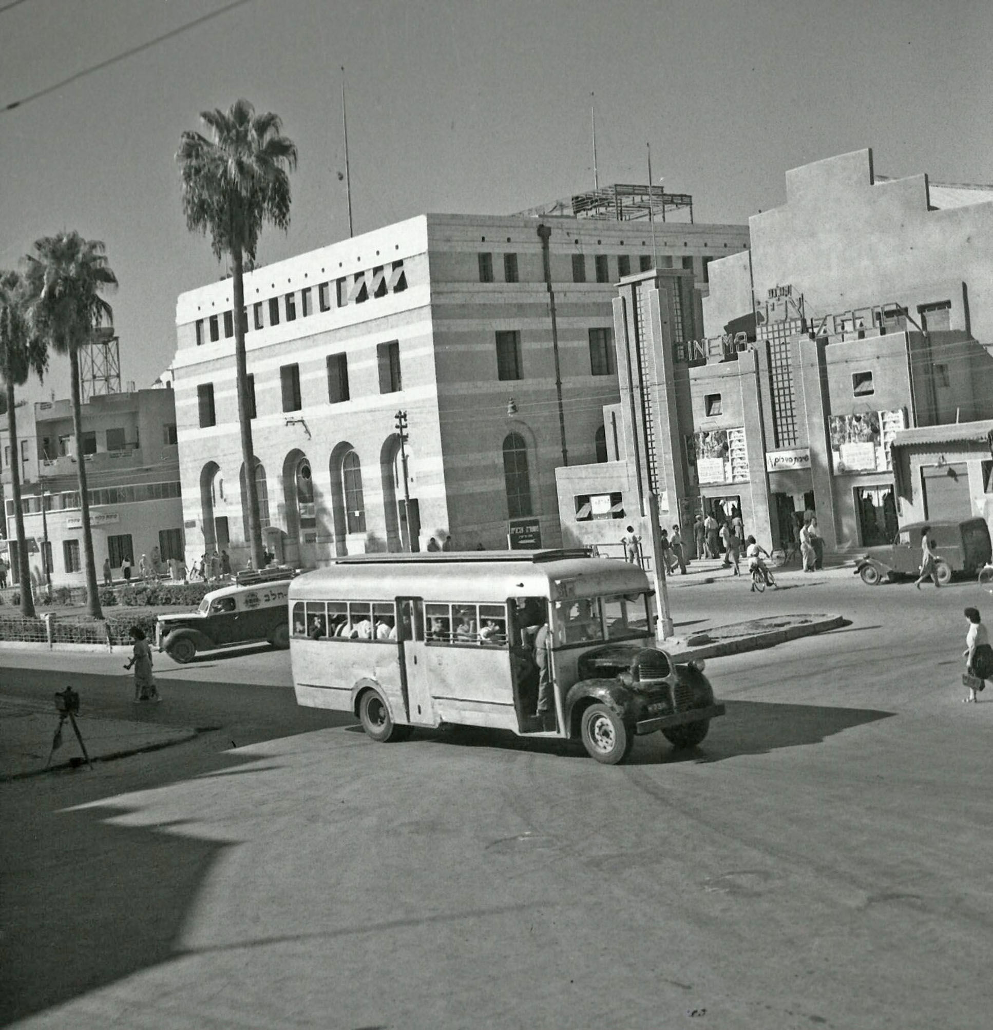 Denning double decker for sale - A War Weary Dodge In An Israeli Town Haifa Or Jaffa Can T Be Certain Pic Courtesy Of Dr Eviatar Reiter